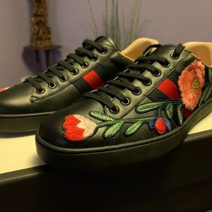 Gucci ace black flower sneakers